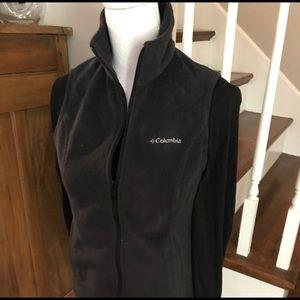 Columbia gray fleece vest Size XS